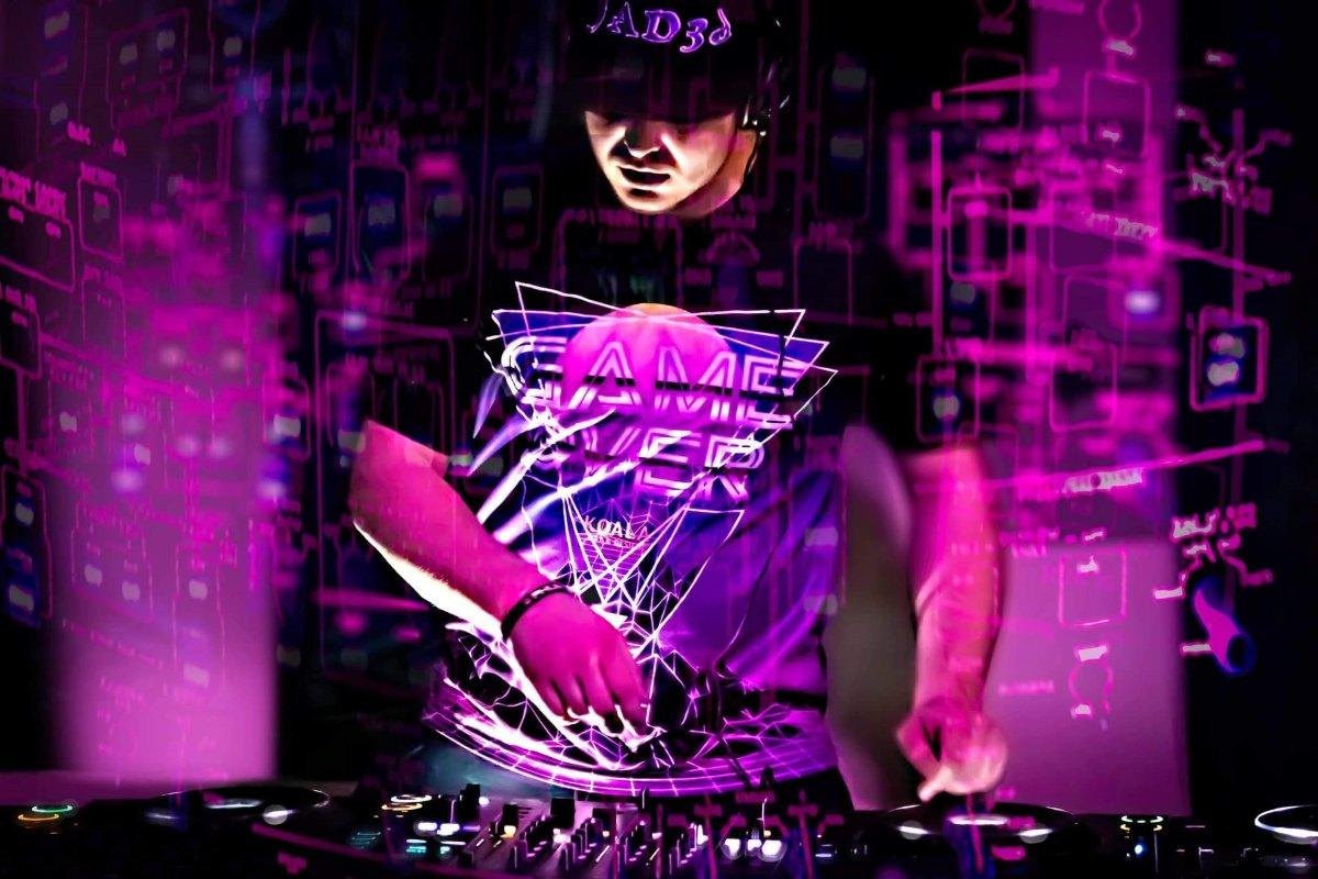 James DJ (1)